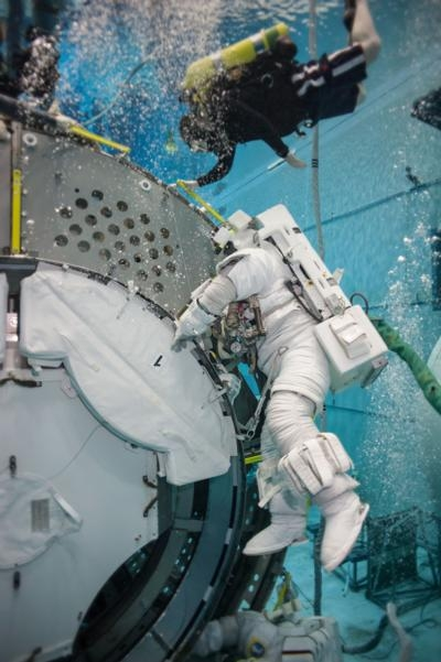 Astronauts Examines Training For Extended Deep-Space ...