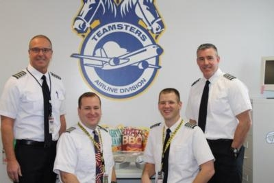 Teamsters Local 357 Delivers Lunch To Air Traffic