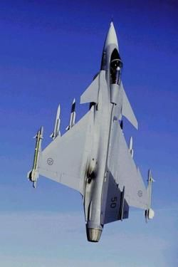 UK Test Pilot Training School Agrees To New Deal With Gripen
