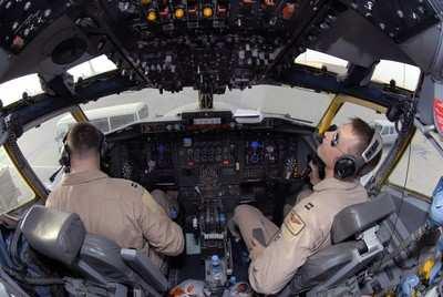 USAF-RC135-RivetJoint-0810a.jpg